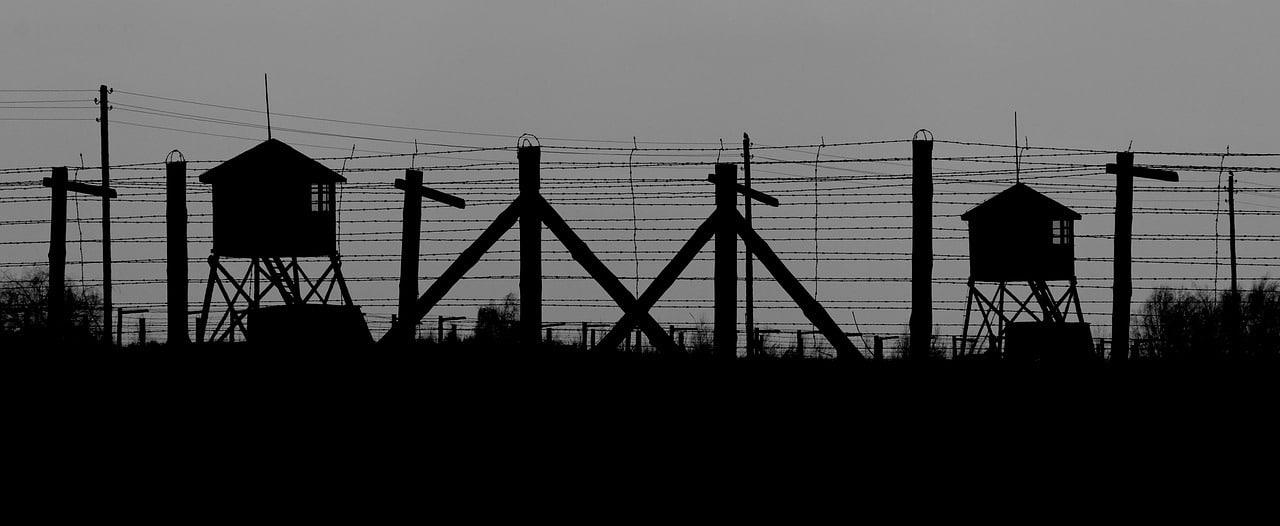 he-fence-holocaust dark tourism