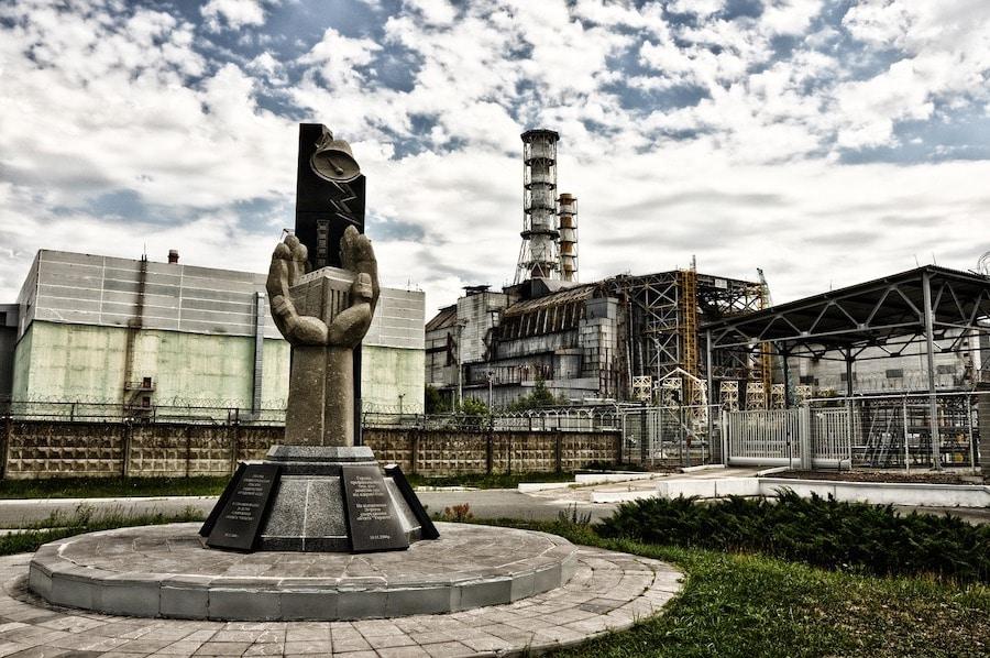 pripyat-dark tourist featured