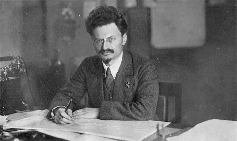 Leon_Trotsky_at_his_desk