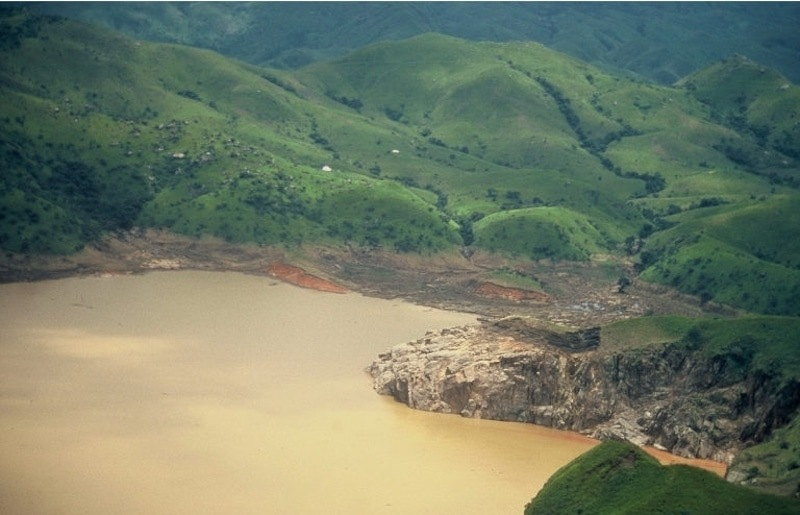 Lake_Nyos_dark tourism africa