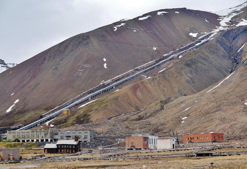 Pyramiden_Mine_landscape