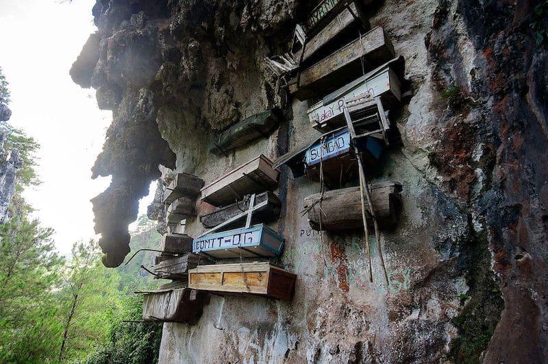Hanging_Coffins_of_Sagada dark tourism