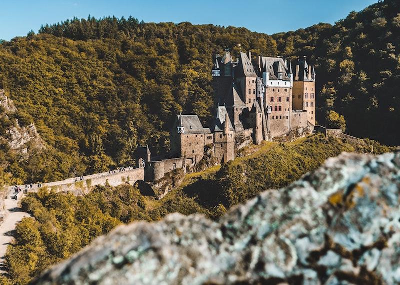 Eltz castle featured
