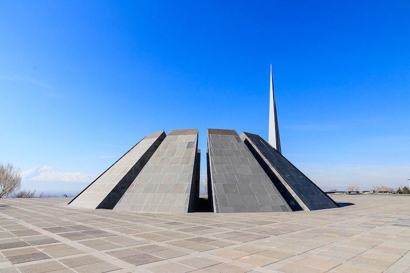 Yerevan_Tsitsernakaberd_Armenian_Genocide_Museum_Memorial_msu-2018-3008